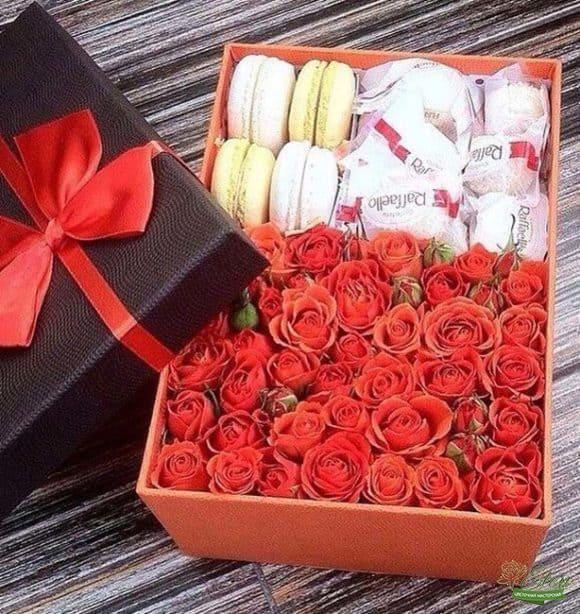 Коробка с розами Роскошь