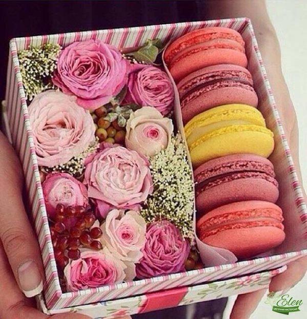 Коробка Сладостей с цветами