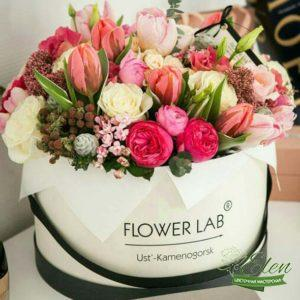 Коробка цветов Обожаю