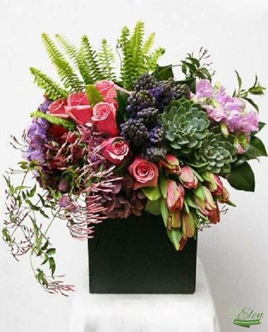 Коробка с цветами Легкость