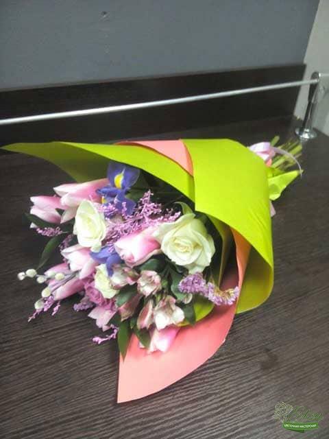 Букет из цветов Комплимент Весне отличный весенний комплимент от наших флористов.