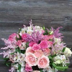 Букет цветов Белая Нежность это сочетание розы и альстромерии что само по себе красиво.
