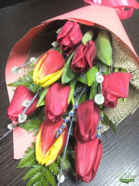 Букет цветов из 9 тюльпанов