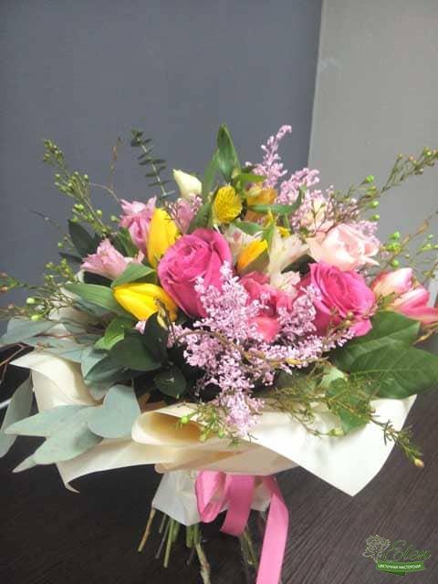 Букет цветов Влюбленность принесет весеннее настроение на ваш праздник.