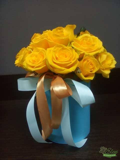 Киев Шляпная коробка из желтых роз