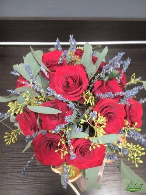 Шляпная цветочная коробка из голландских роз