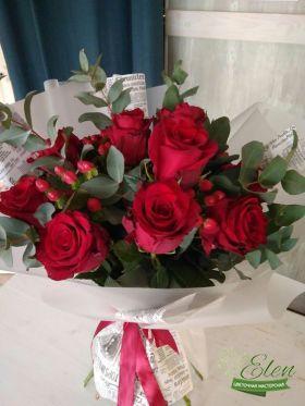 Букет из 11 красных голландских роз