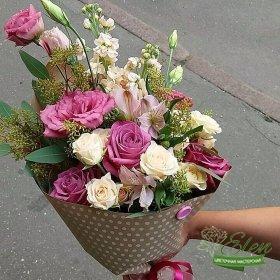 Букет из роз Конверт Радостиотличный весенний комплимент от наших флористов.