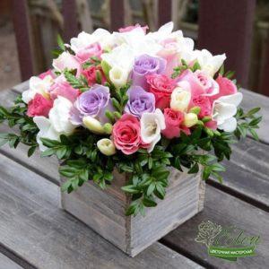 Коробка с цветами Радость
