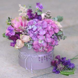 шляпная коробка из цветов Вернисаж