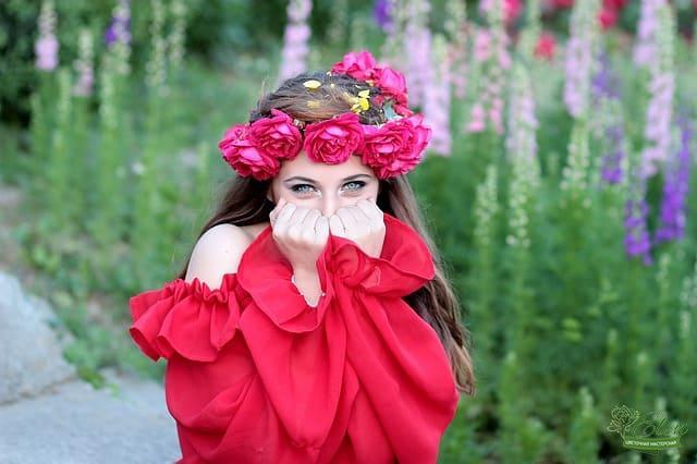 Венок на голову из цветов с доставкой по Киеву