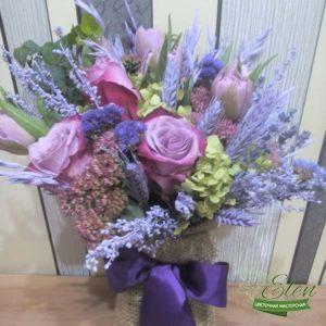 Букет из тюльпанов и розы