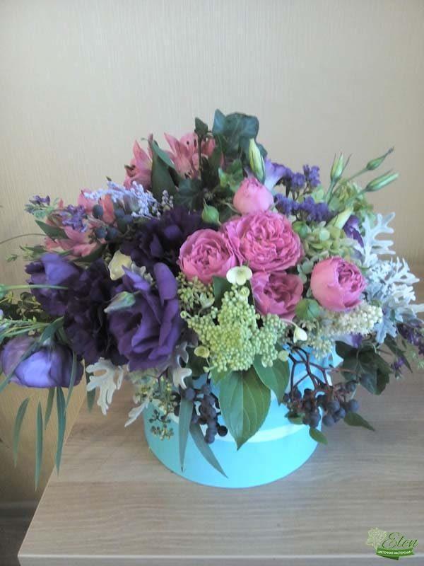 Шляпная коробка с цветами Восторг весенняя