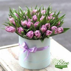 Шляпная коробка nюльпанов