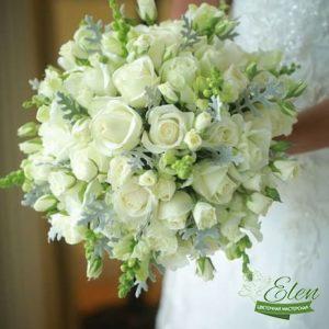 Букет невесты из розы и эустомы